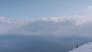 【動画】スノーボードでサーフィンのようなライディングの短編映画