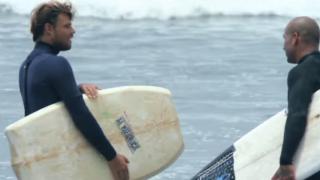 【動画】フリーサーファーのデーン・レイノイルズがボディボードでライディング
