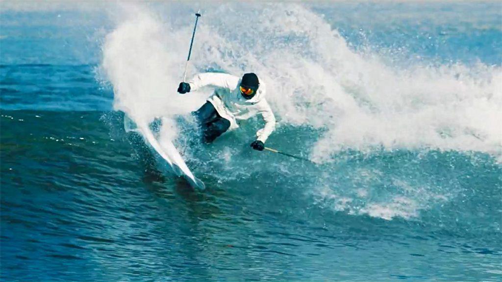 スキーの板で波と中国の万里の長城など悪路をスキーする!