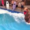 【動画】ティラノサウルスがサーフィン?そんなことできるの?